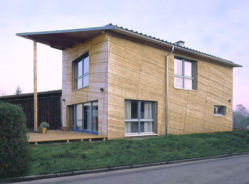 Moderne Holzhäuser in Massivbauweise